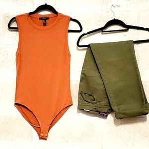 Burnt orange sleeveless scoop neck bodysuit